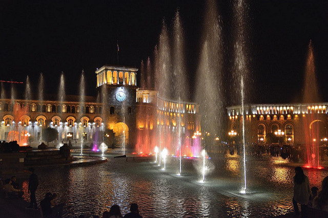armenia republic square fountains